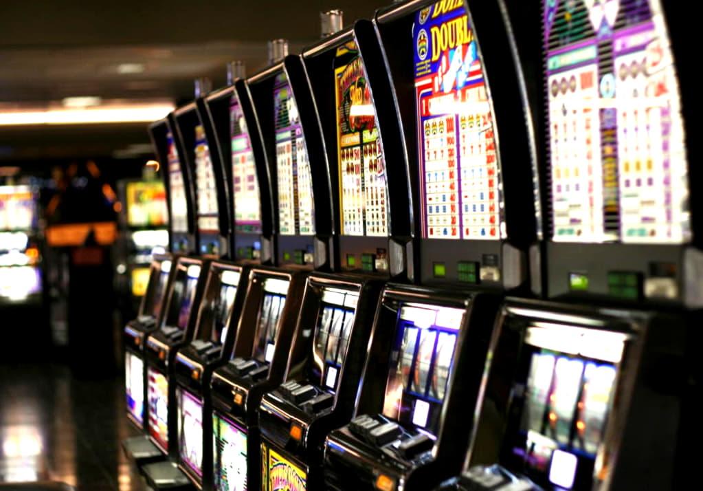 €310 free chip casino at Royal Vegas Casino
